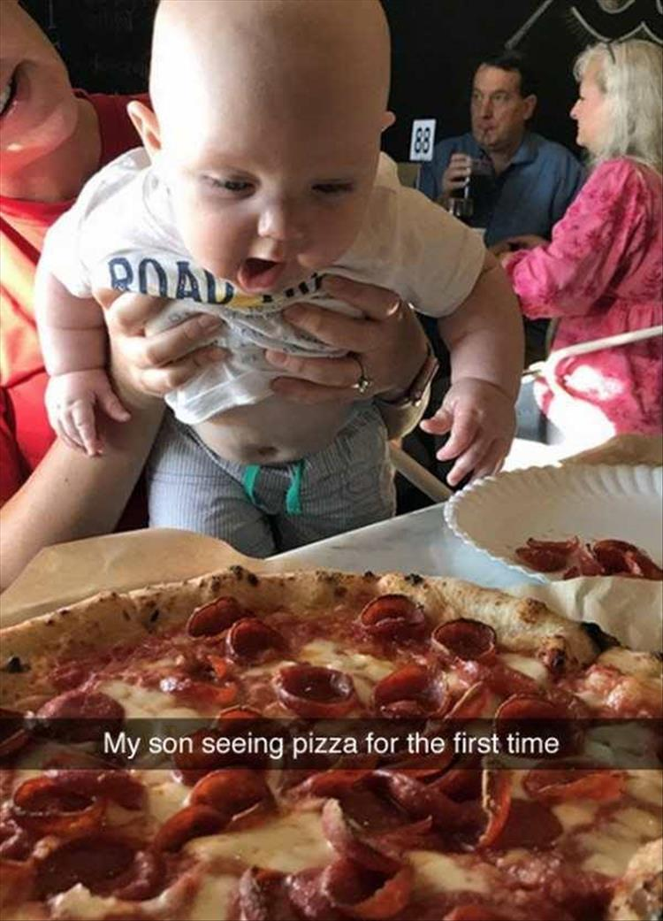 Kid sees pizza for the first time and is amazed